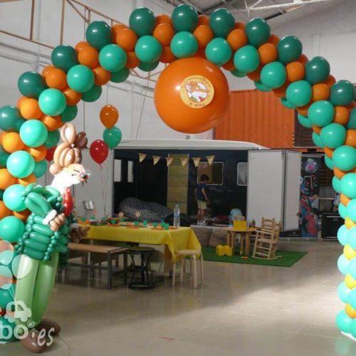 Arco de globos temático Jeronimo Stilton fiesta de cumpleaños