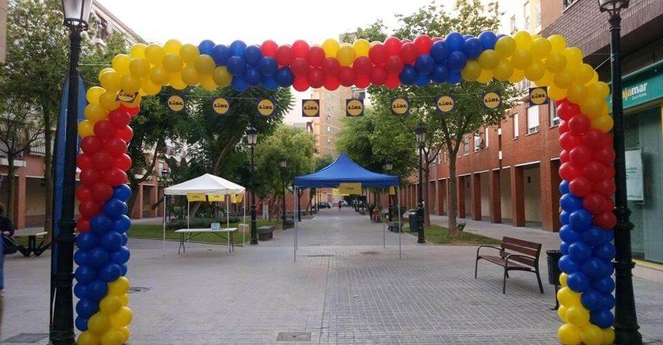 Arco de globos rectangular con guirnalda de globo redondo
