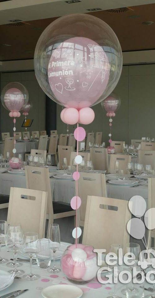 Centro de mesa globo burbuja primera comunión con topos y base pecera de cristal