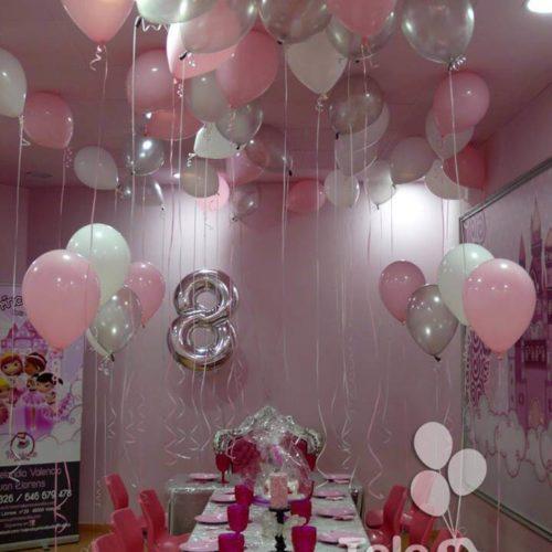 Decoracion 8 cumpleaños globos helio al techo Princelandia Valencia