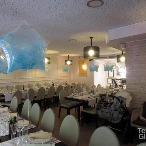 Centros de mesa globo burbuja con pintura Restaurante Vincentino Valencia