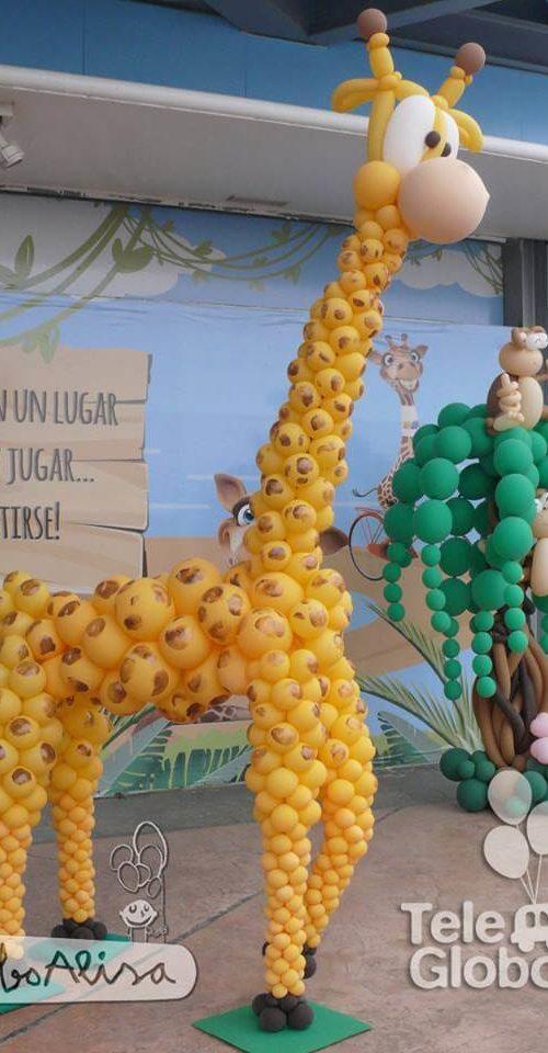 Jirafa monos y arbol de globos fiesta MN4Kids centro comercial Valencia