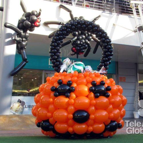 Decoración con globos para Halloween plaza