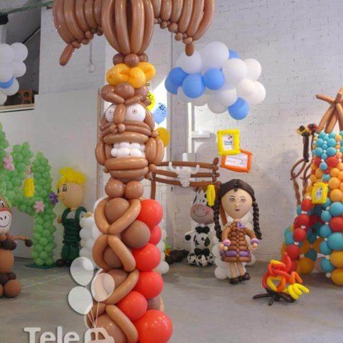 Totem indio de globos para decoración del Mercado de Tapinería Valencia